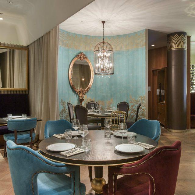 Medium Hotel Interior: Inspirations & Ideas