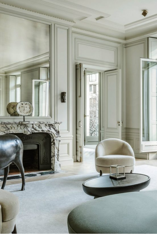 10 Impressive Living Room Ideas By The Best French Interior Designers