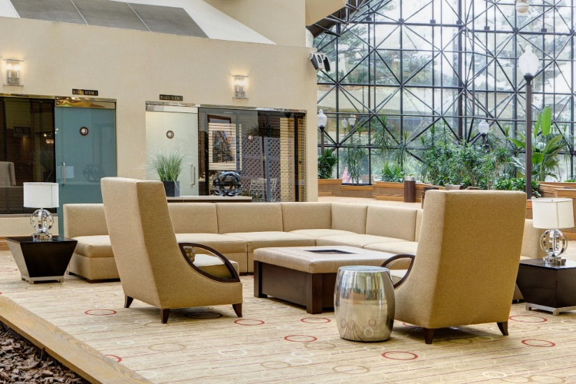 Doubletree By Hilton Hotel Newark Airport Lounge