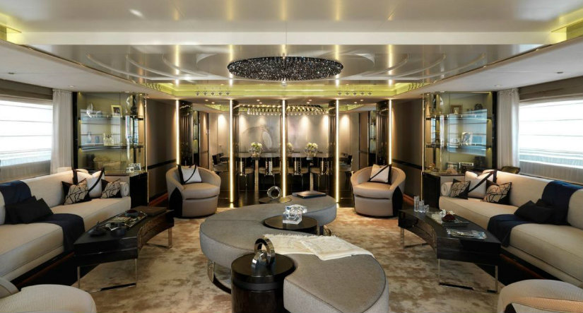 Luxury charter yacht Sealyon