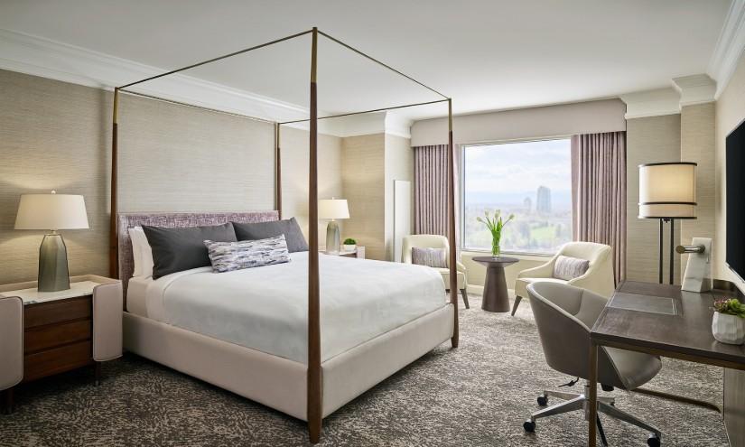 JW Marriott Hotel Bedroom Decor