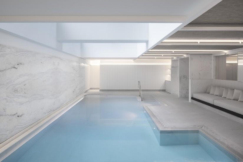 Four Seasons Montreal Swimming pool